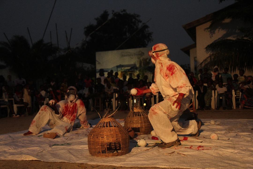 Performance, Thaís Di Marco, « Le piège », en collaboration avec Daniel Ahifon.