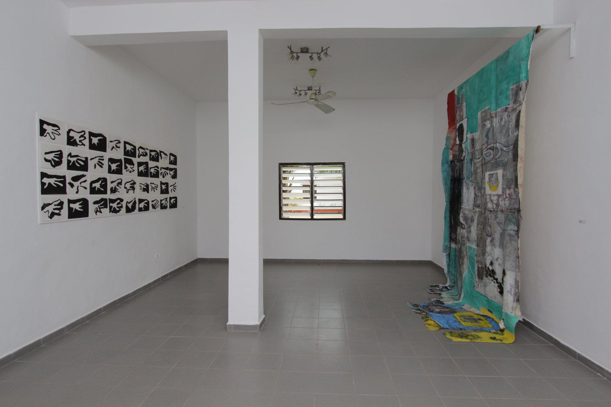 Vue de l'exposition : D'une courte voix du monde