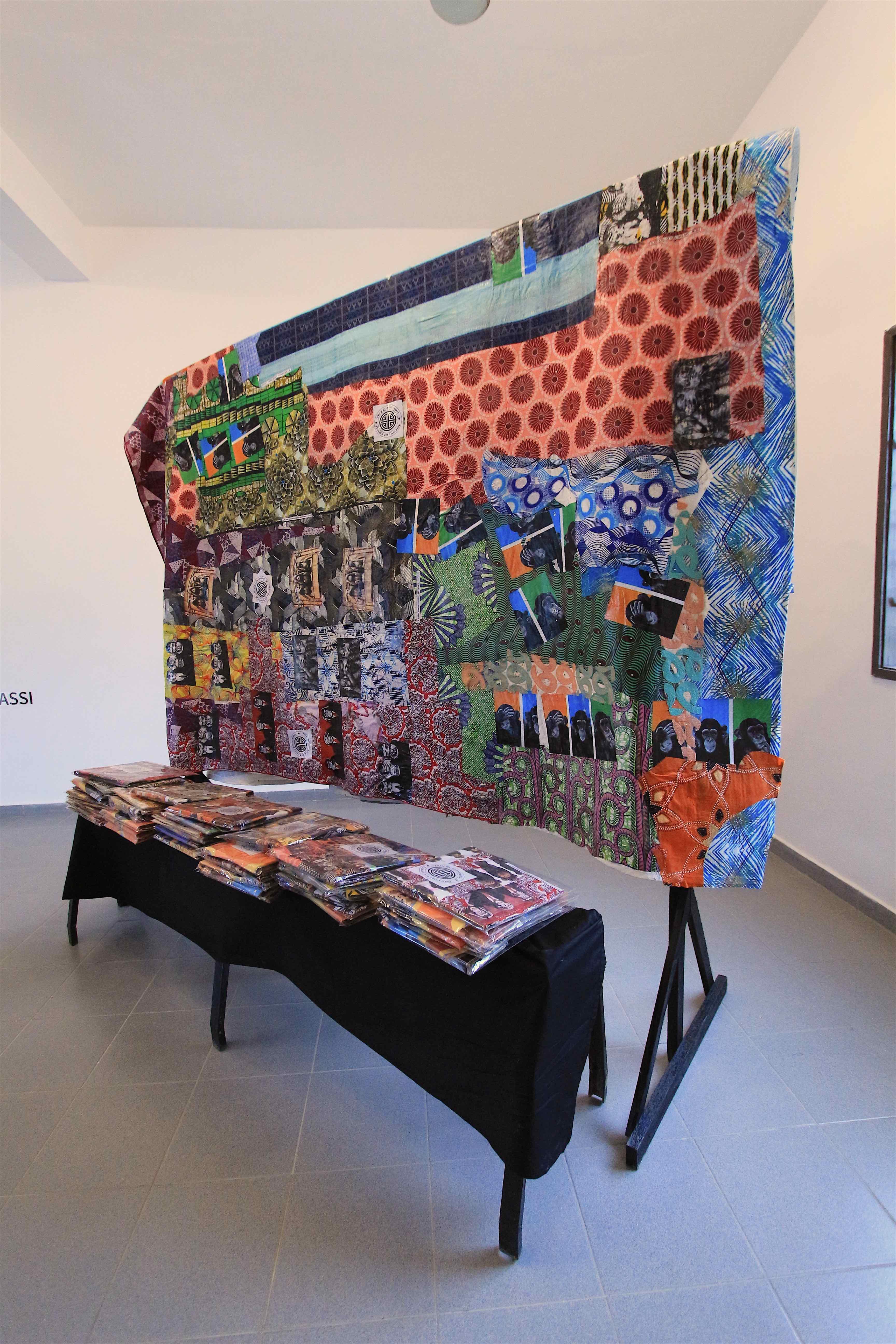 Doto Kuassi, Tchigan trois singes by Doto, Installation, 356 x 263 cm, 2019